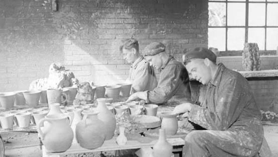 Draaien-in-potjesfabriek